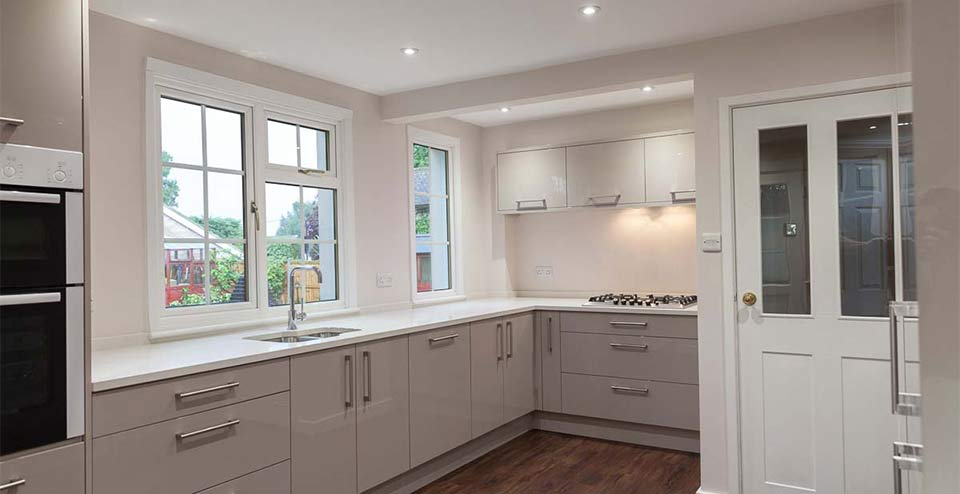 Danbury Kitchen: This kitchen was refurbished in just 20 working days despite the discovery of additional drainage work that needed to be completed before the installation could be completed.