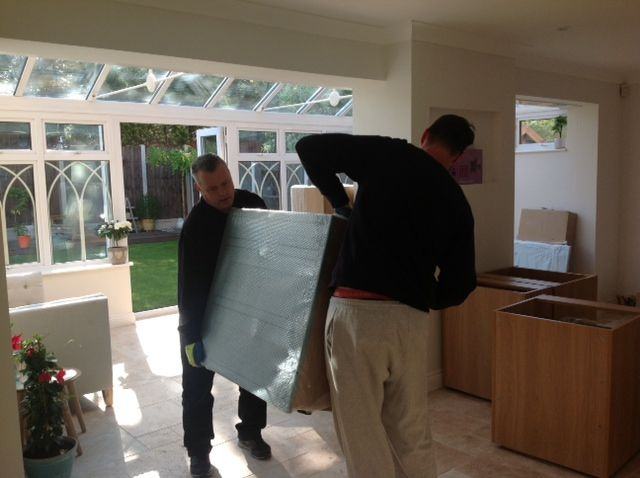 Careful delivery of the kitchen units